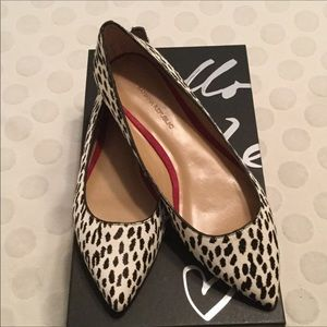 Banana Republic Angela Black/White Flats Size 8